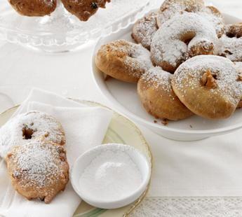 #Recept: Stap voor stap oliebollen maken http://ift.tt/2igne3y #Gebak-taarten-koekjes-brood