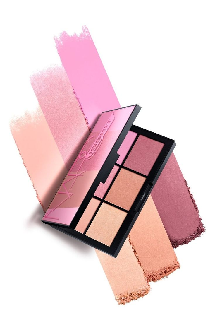 Obsessing over this NARS palette that features high-impact matte and seductive shimmer blushes.