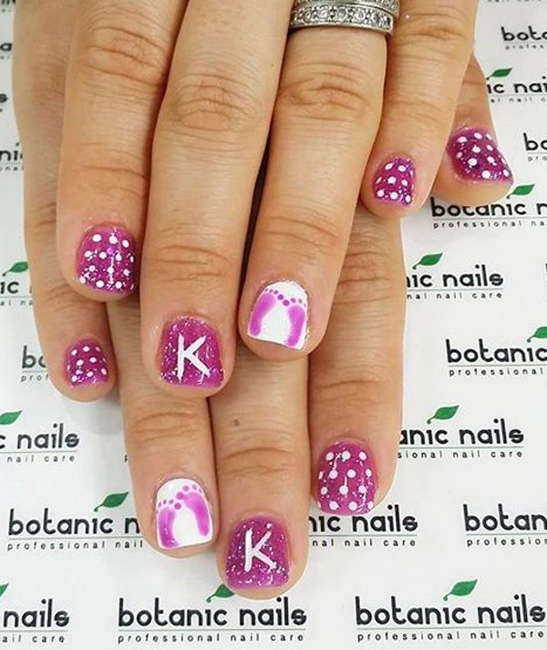 Wonderful looking Purple nail art design. You can add several styles such as polka dots and even water color polish effects on the hands. You can also see a bit of sandwich glitter polish design there.
