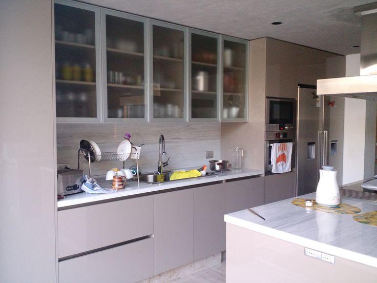 Cocina en melamina vison cocina pinterest cocinas for Melamina color marmol