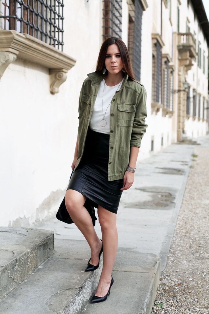 Morellato and irene colzi, fashion outfit, cool look, green long jacket, jewels