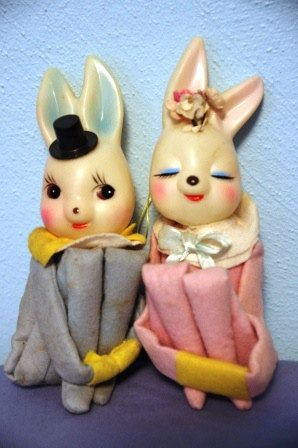 A delightfully cute pair of vintage Bunny Knee Huggers. #vintage #toys #Easter #decorations
