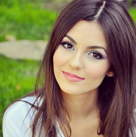 Victoria Justice -Beautiful Teenage Hollywood Actress