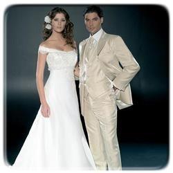 Свадебные платья и костюм с фото