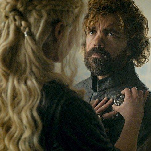 """Os atores do elenco de """"Game of Thrones"""" no primeiro e no último episódio - Primeira aparição: """"Winter is Coming"""" (Episódio 1, Temporada 1) Última aparição: """"The Winds of Winter"""" (Episódio 10, Temporada 6) Tyrion Lannister"""