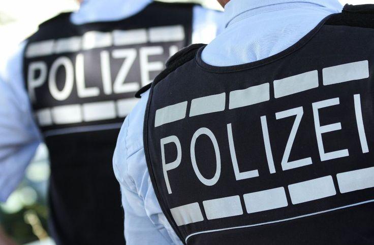 Ein Mann hat die Polizei in Stuttgart-Ost am Samstag schwer in Atem gehalten. (Symbolbild) Foto: dpa