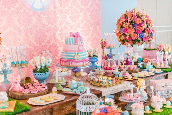 festinha-alice-no-pais-das-maravilhas-rosa-azul-decoracao-Pequenos-Luxos-02