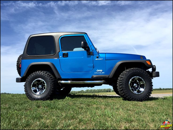 """2003 Jeep Wrangler (TJ) riding on a 3"""" Teraflex lift and 33"""" Cooper STT Pro tires. ______________________________________________________ #Axleboy #offroad #Jeep #Wrangler #lifted #Teraflex @TeraFlex #Jeepshop #stl #missouri #stpeters #built #bluejeep #blue #jeeplife #jeepbeef #jeepher #jeepthing #olllllllo"""