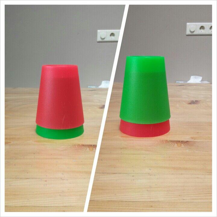Ministoplicht voor op instructietafel. Rood=niet storen, groen=je mag hulp vragen.