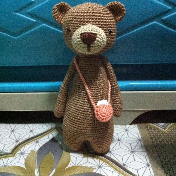 Bear With Bag crochet pattern by Little Bear Crochets: http://littlebearcrochets.etsy.com ❤️ #littlebearcrochets #amigurumi