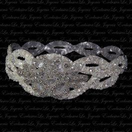 Tocado Vintage de novia hecho a mano con nacar y cristales de Swarovski.