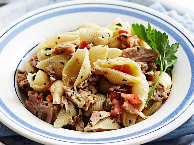 On the table in under 30 minutes, this quick tuna pasta recipe is packed full of flavour, nutrients, and texture. Prepare this for your family any night of the week in no time at all.