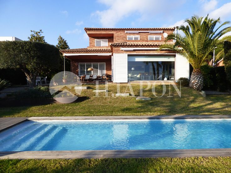 Beautiful Exclusive property for sale in the private residential area of Sant Berger in Tei