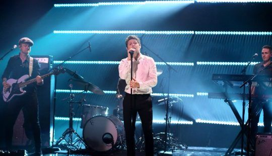 "dailyniall: ""Niall Horan will be an interview and musical guest on the December 7 ""Tonight Show."" Niall Horan is set to return to ""The Tonight Show Starring Jimmy Fallon."" According to NBC, the..."