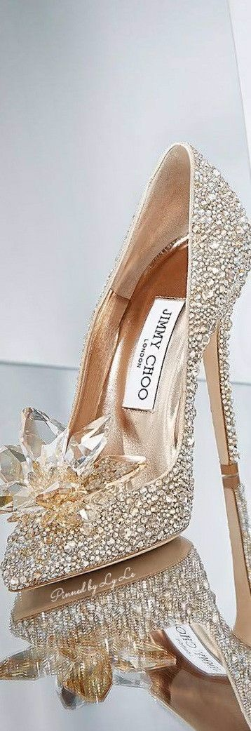 You can only feel luxurious while wearing these heels.