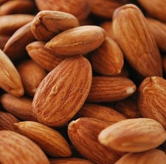 5 Superfoods To Transform Your Skin, Hair and Nails - Almonds