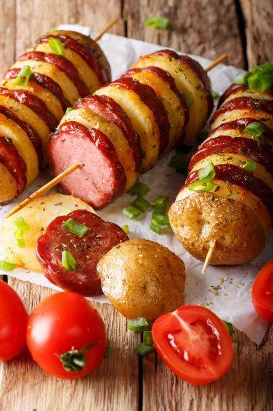 Kartoffeln Wurstspieße   – Essen und trinken