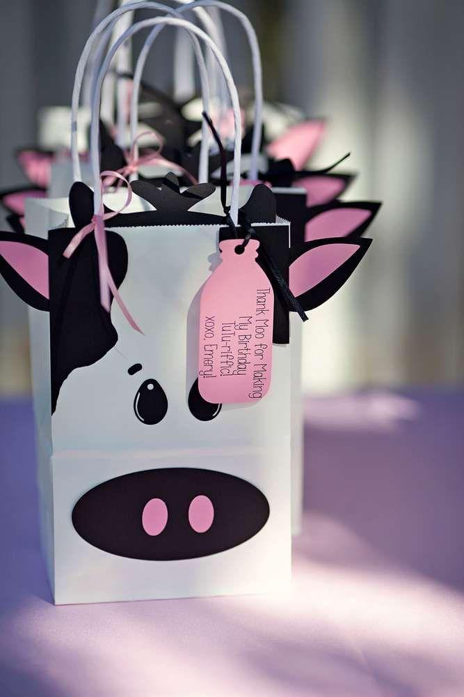 MooMoos & TuTus Birthday Party Ideas | Photo 2 of 25 | Catch My Party