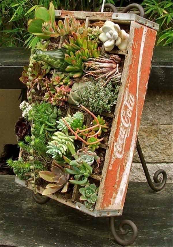 Draußen ist es nass und kalt. Hol Dir den Garten ins Haus! Pflanzen verwandeln Dein Wohnzimmer in eine grüne Oase. 25 tolle Minigarten Ideen für Deine Wohnung! - DIY Bastelideen