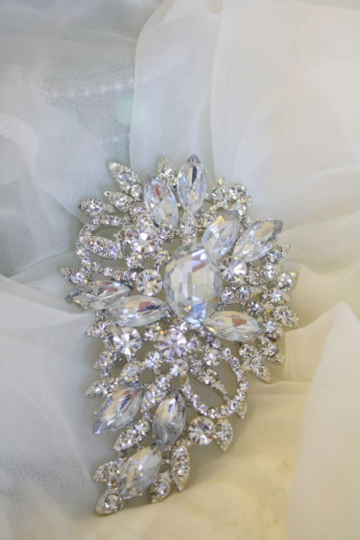 Rhinestone Brooch  Crystal Brooch  Vintage Style by AbbyPlace