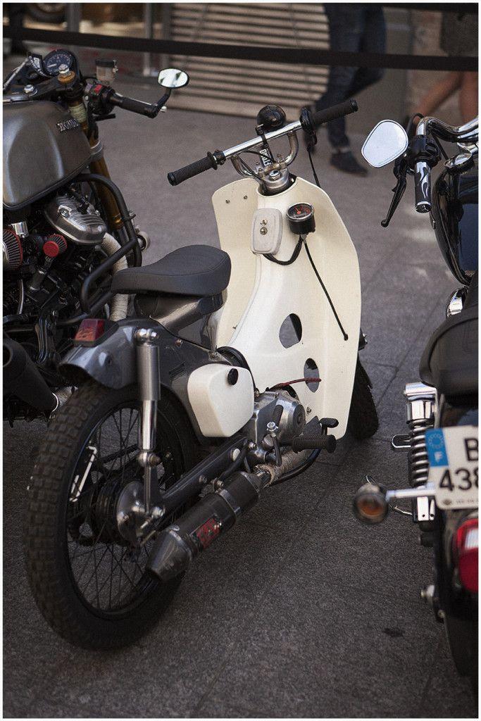 Honda Cub custom   Bike Shed Paris