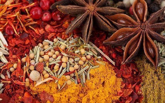 В специях, как и в любых продуктах, тоже находятся витамины. Вот какие витамины содержатся в основных специях, применяемых ведической кулинарией: 1. Асафетида— В1, В6 2. Имбирь— В6, С […]