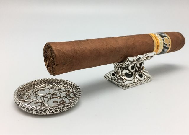 Beautiful handcrafted floral fretwork cigar rest and ashtray (^_-)-☆Yes, We ship worldwide!!http://shopjay.com/user_data