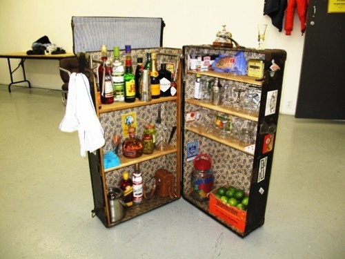 17 best images about suitcase love on pinterest vintage luggage closet space and mini bars. Black Bedroom Furniture Sets. Home Design Ideas