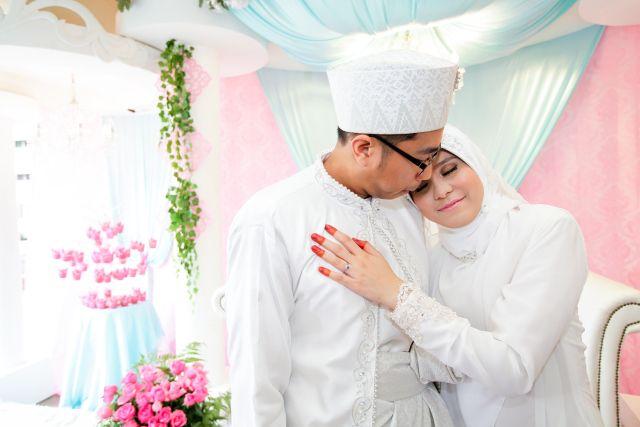 #kahwinkawinbridal #bridal #bride #sgbrides #makeup #mua #hairstyles #hairstyling #hairdo #photoshoot #photography #prewedding #outdoorshoot #ido #wedding #onceinalifetime #exclusive #fairytale #pengantin #moment #love #melayu #malay #weddingcard #weddingring #ring #memories #hijab #muslim #weddingday