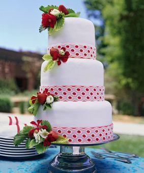 tarta-nupcial blanco y rojo con fresas