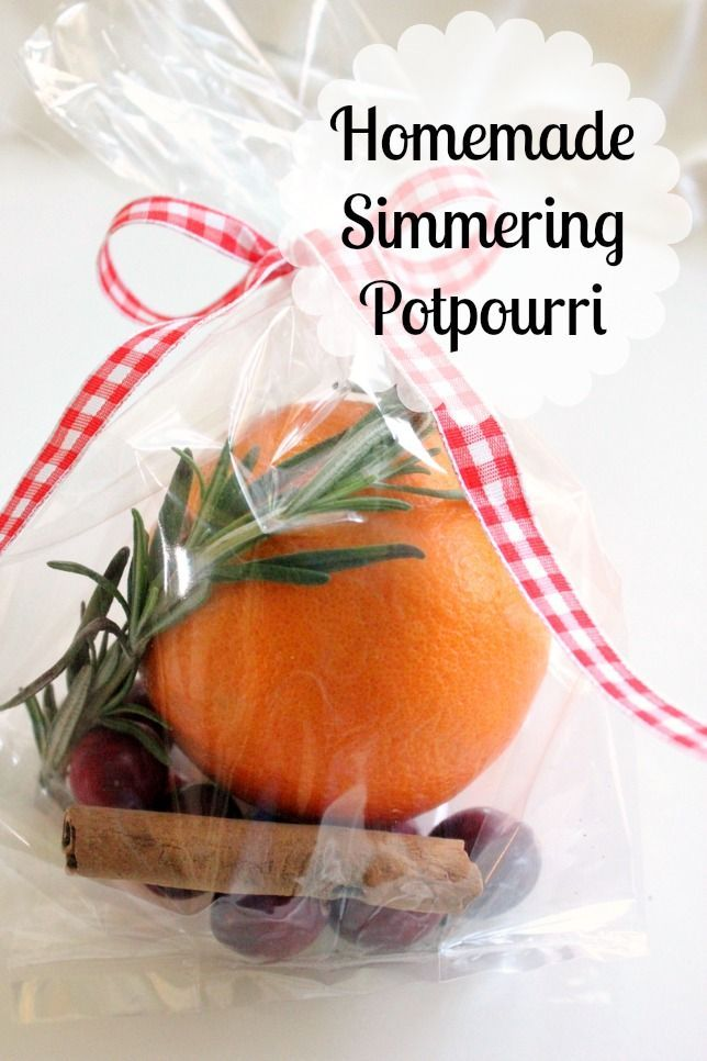 Homemade Simmering Potpourri - Holiday parties are in full swing! It is so nice to take a small gift to the hostess! This can be assembled so quickly with items…