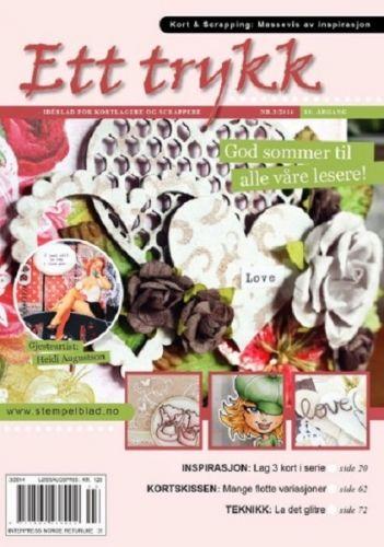 NORSK STEMPELBLAD - ETT TRYKK 3-2014 - JUNI  Norsk stempelblad - et idéblad for stemplere og scrappere som kommer ut 6 ganger i året.Bladet inneholder inspirasjon, tips og ideer innen kort og scrapbooking. Hvert blad inneholder gjesteartist, trinn for trinn, teknikker, utfordringer m.m.Denne utgaven av Ett Trykk: GJESTEARTIST HEIDI AUGUSTSON    BLADET BLIR UTGITT:1. april - 1. juni - 1. august - 1. oktober - 1. desember - 1. februar