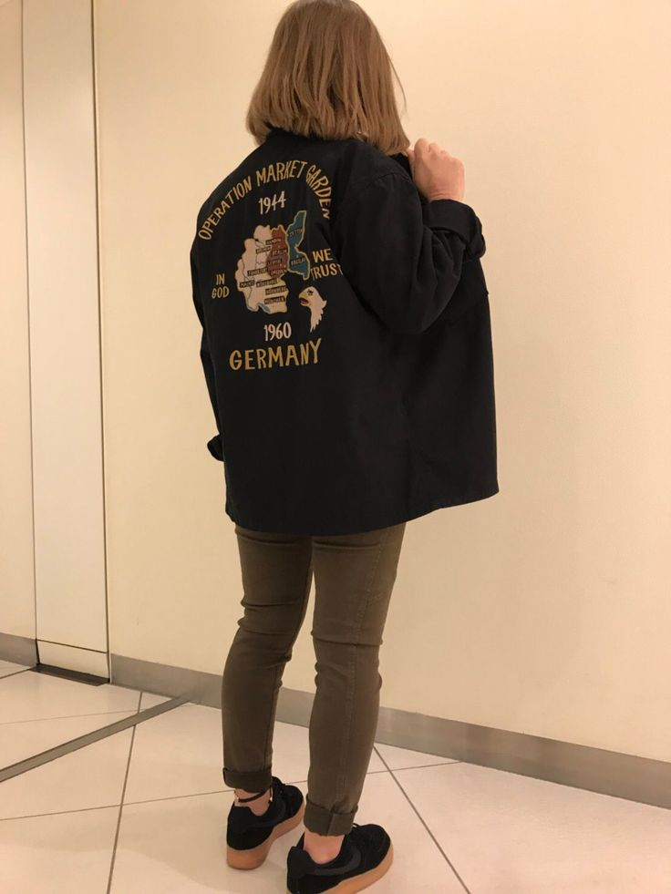 ミリタリーシャツ入荷しました! 今回はメンズをオーバーサイズで着てます!女性でも着れるんで、是非店頭でお試し下さい!なんばパークス店でお待ちしております(^^)   着用サイズM / スタッフ身長 153cm/No.6175147-50 / color BLACK,KHAKI,OLIVE/    price ¥ 12,800+tax