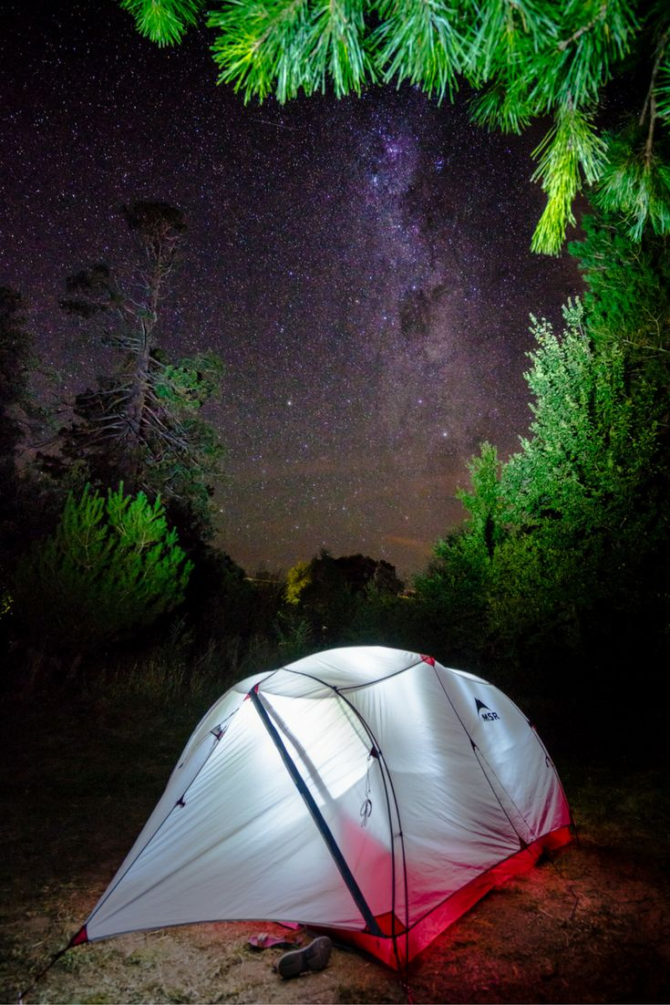 Camping under the stars is the best feeling. Get out of the city and get into nature. Here is our guide to hiking Mount Kosciuszko, Australia.  #hikingaustralia #roadtripaustralia #backpackingaustralia #campingaustralia