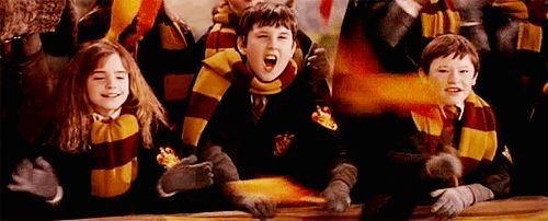 """Phénomène : Grâce à """"Harry Potter"""", les jeunes lecteurs lisent des livres plus…"""