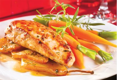 Poitrines de poulet à l'érable et aux poires http://www.coupdepouce.com/recettes-cuisine/plats-principaux/volaille/poitrines-de-poulet-a-l-erable-et-aux-poires/r/4658