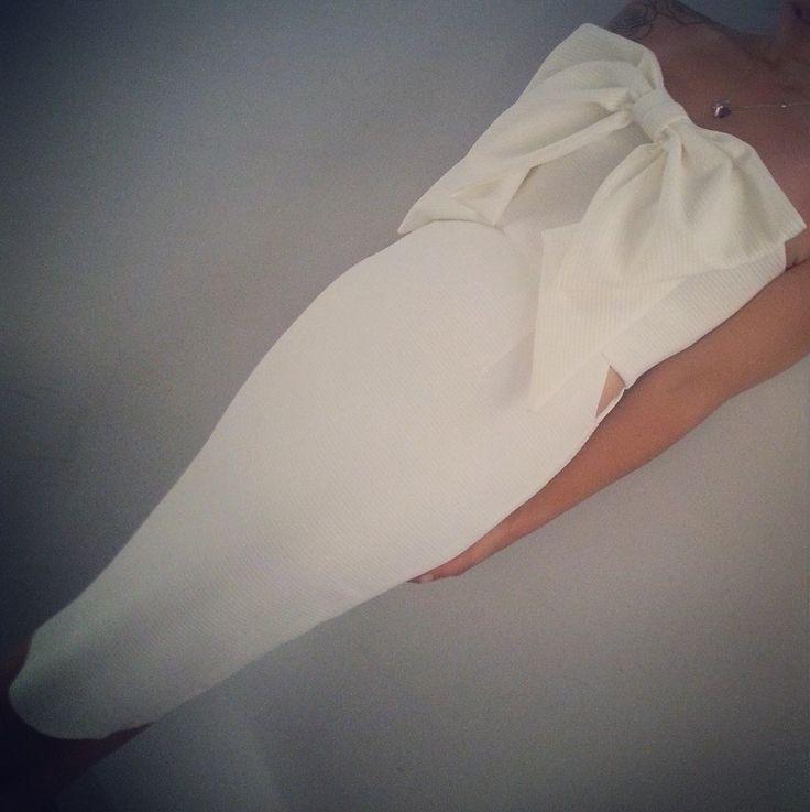 εκπληκτικό JULYTWO λευκο φορεμα <3 διαθέσιμο και σε άλλα χρώματα! www.facebook.com/JulytwoCreations
