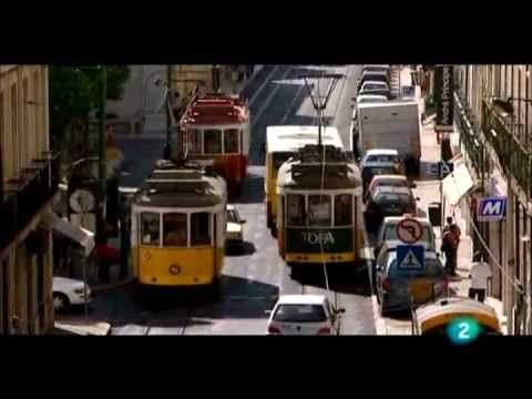 "Madredeus - Moro em Lisboa ""I Live in Lisbon"" (English subtitles)"