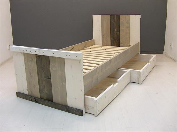 Google Afbeeldingen resultaat voor http://static.aanbodpagina.nl/img/184/bed-steigerhout-nieuw-wash-sloophout.jpg