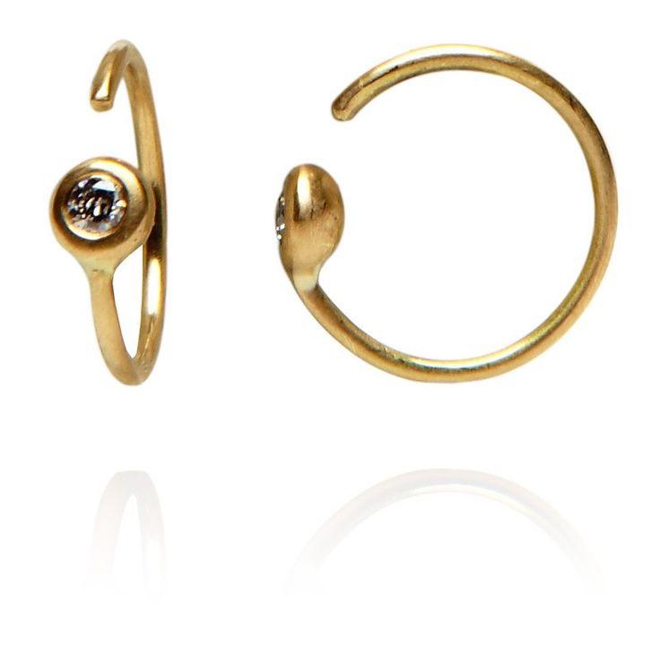 http://juliewettergren.com/en/store/earrings/gisele-b-yellow.html