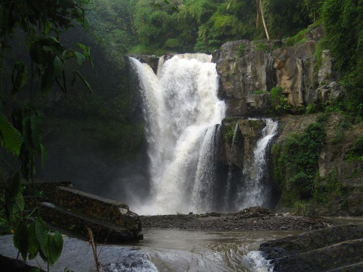 5 Tempat Wisata Air Terjun yang Mempesona di Bali - Bali