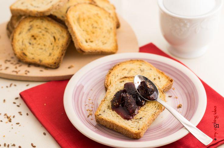Fette biscottate con semi di lino