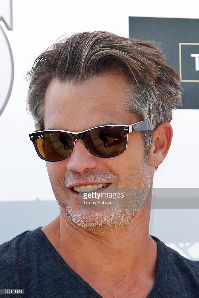 olyphant women Timothy olyphant, 48,  jaime king checks her phone after kate beckinsale leaves hilarious comment on her instagram post which urged women to pleasure themselves.