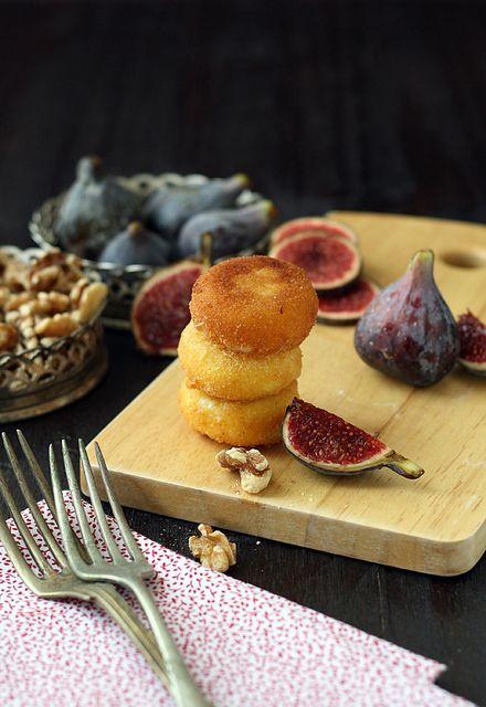 Queso frito con higos y nueces by SandeeA Cocina, via Flickr