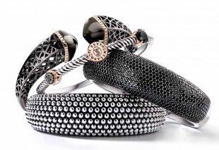 Check out these statement bangles from #TiSentoMilano - perfect to pair with a chunky jumper on a chilly winter day