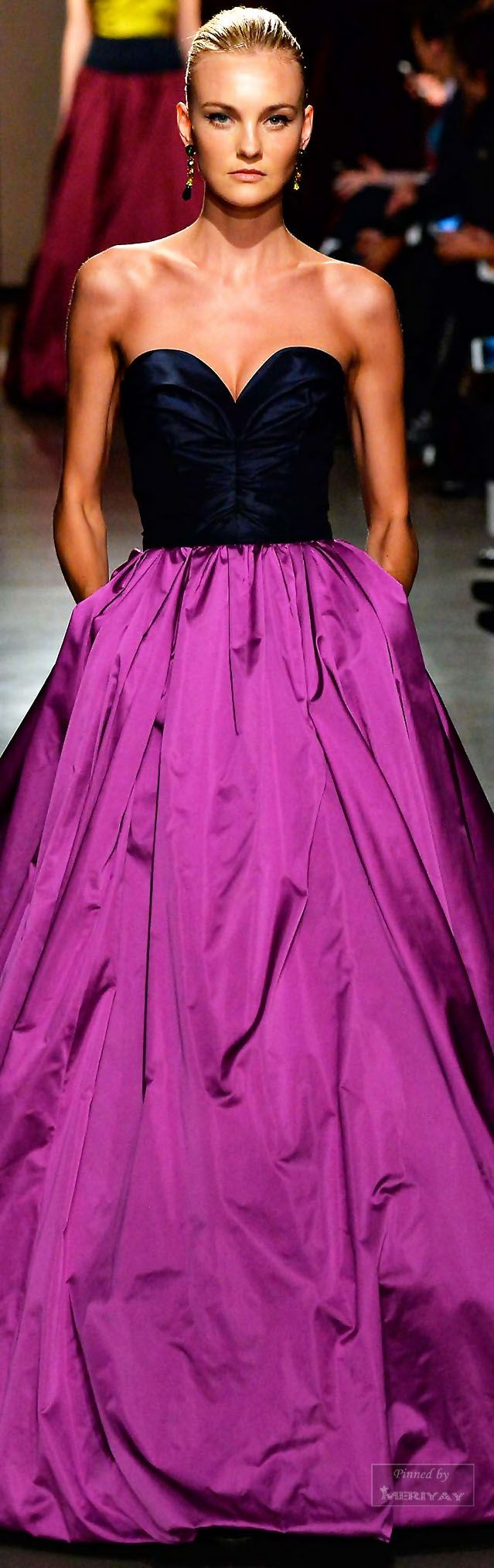 Stunning!!  Oscar de la Renta.Fall-winter 2015-2016.
