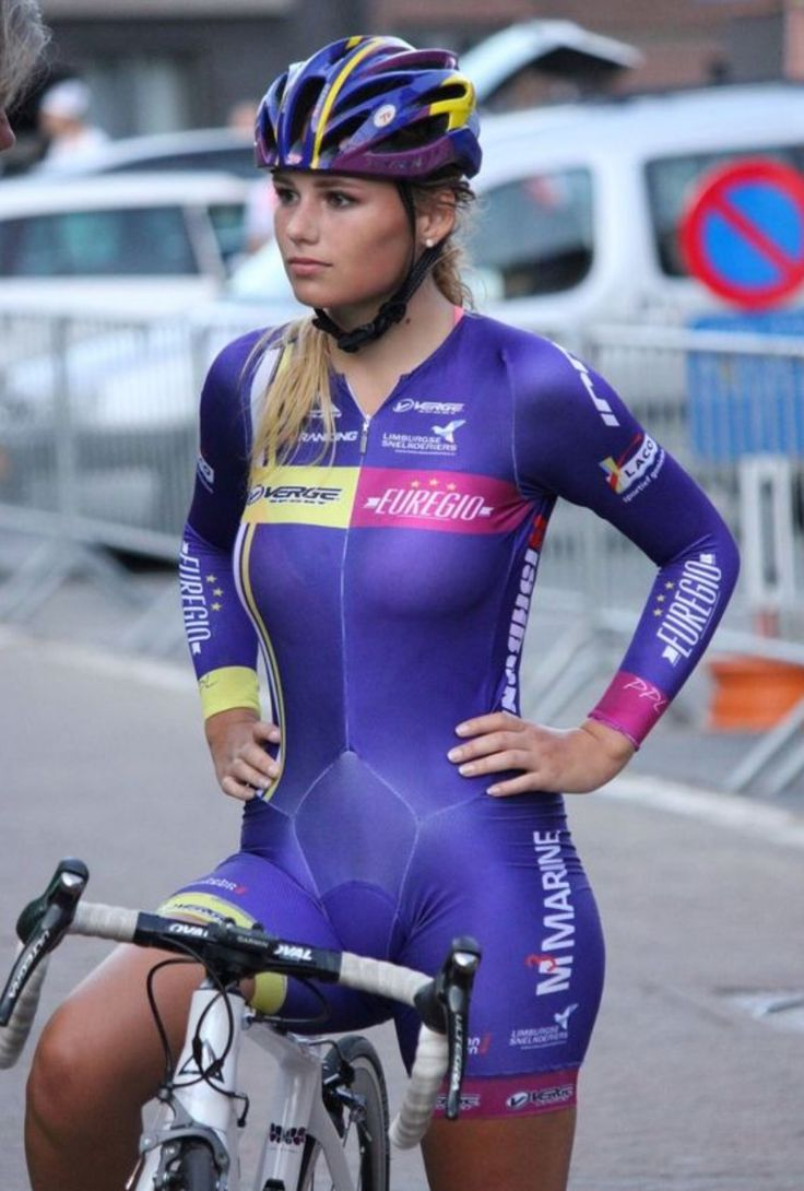 Dutch cyclist Puck Moonen 50 best Lady