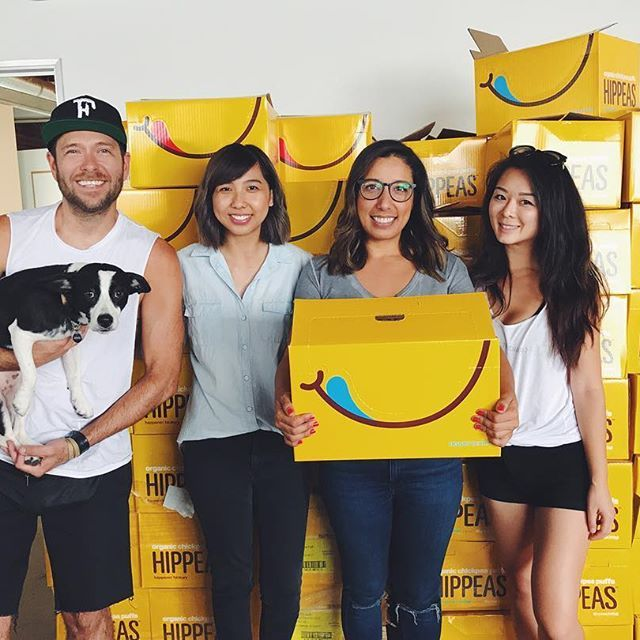 August Food Drop is sneaking up on us! 😱Lucky for us we have a team of kick ass interns that have been KILLIN it this week 🙌🏻😬🙌🏻 July Food Drop recap video will be up on #YouTube soon. For now, here's a pic of us with the Hippeas team picking up snacks they had donated for the JUL drop. Thank you again @hippeas_snacks for your generosity 🙏🏻💕🙏🏻 If you're a snack brand who would like to contribute towards our monthly FBNW Food Drops please DM us!! #fbnw