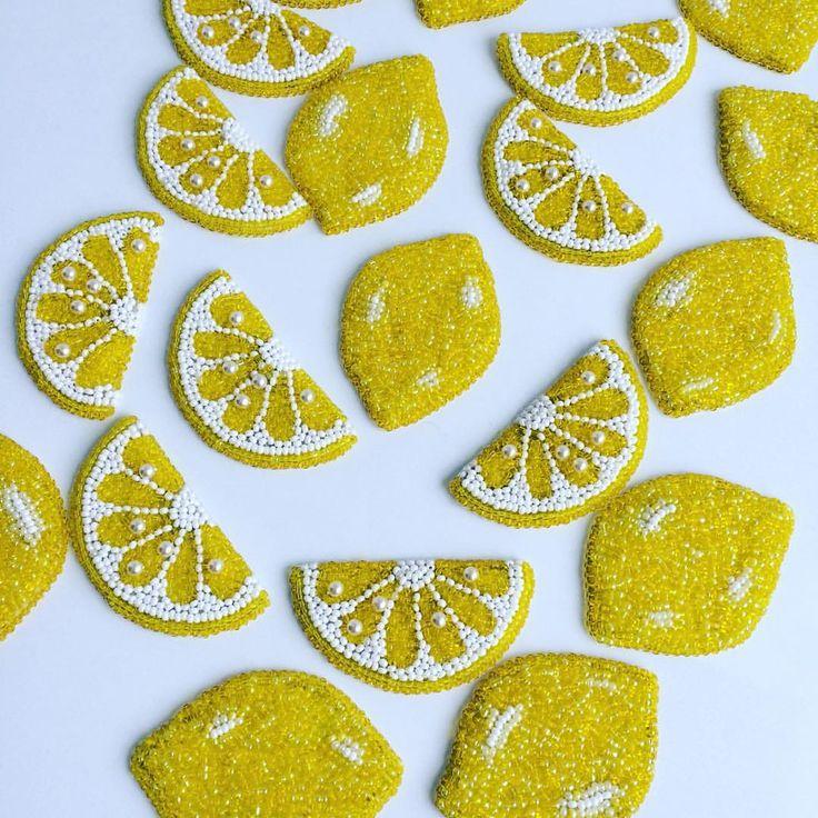 """ถูกใจ 118 คน, ความคิดเห็น 4 รายการ - Студия Зефириной (@zefirinastudio) บน Instagram: """"Витамин С Вам в ленту!!! #vitaminc #vitamins #newcollection #fashionbrooch #nycjewelry…"""""""
