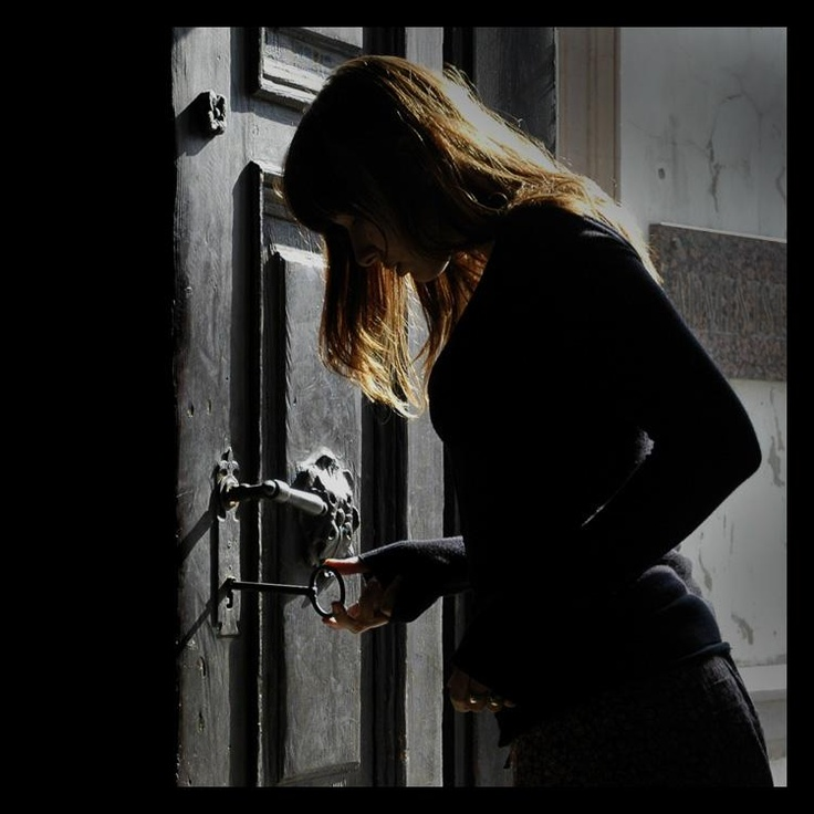 Writers Block & 64 best images about Women Opening Doors on Pinterest   Armors ... Pezcame.Com